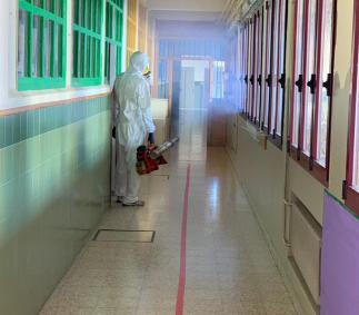 Se han llevado a cabo tareas de desinfección en los espacios interiores de los Colegios Comarcal Moncayo y Joaquín Costa.