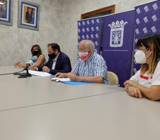 el Ayuntamiento firma el convenio con Cruz Roja