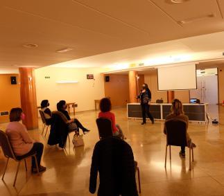 El Ayuntamiento en conmemoración del día de la Mujer realiza un taller formativo dirigido a mujeres emprendedoras.