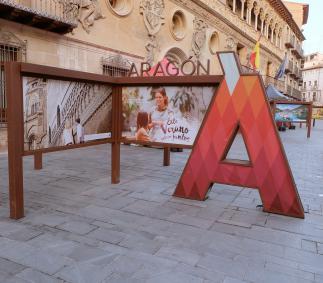 PROMOCIÓN TURISTICA DE ARAGÓN  De 23 al 27 de septiembre Horario de punto informativo: de 11:30 h a 14:30 h y de 17:00 h a 22:00 h   En este contexto actual que nos encontramos, saliendo de la crisis sanitaria producida por el Covid-19, la Dirección General de Turismo ha decido realizar diferentes actos de promoción, en el que se incluye dar a conocer los numerosos recursos turísticos de Aragón a los propios aragoneses.   Del total de turistas nacionales que recibe Aragón los procedentes de la propia Comuni