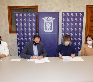 Firma del convenio de APATA