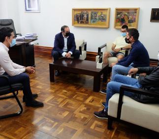 El Ayuntamiento hace un reconocimiento al deportista Eduardo Santas